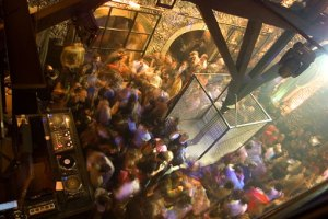 """Clubbing in Lissabon – Das """"Kremlin"""" in Santos"""