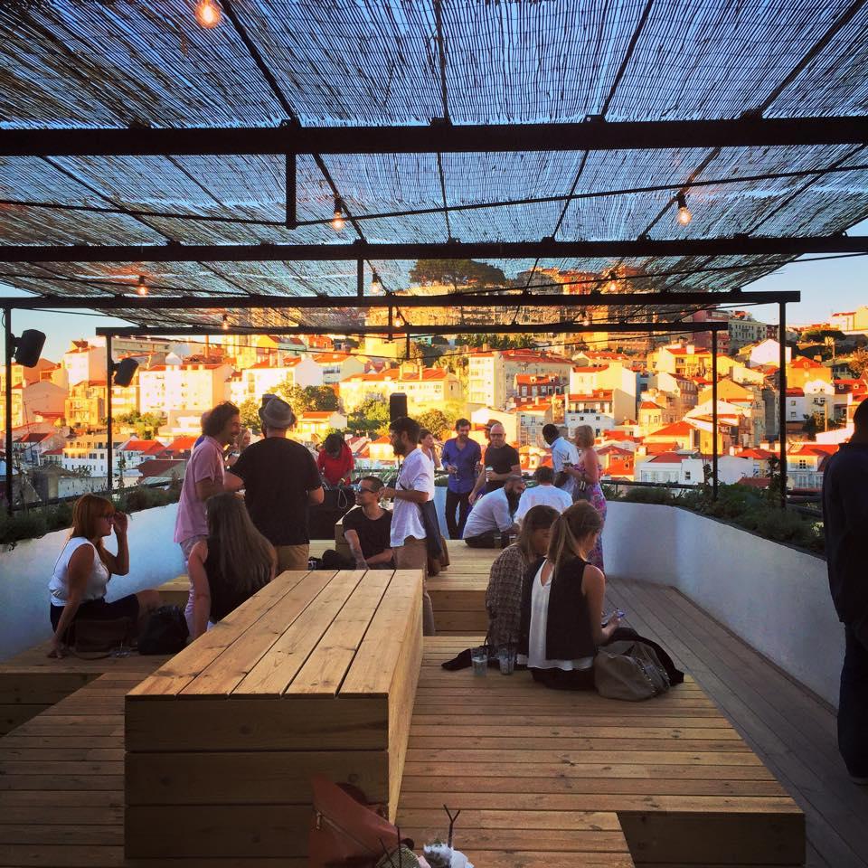 Topo Roof Top Bar Amp Restaurant Lissabon Insider